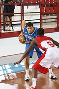 DESCRIZIONE : Porto San Giorgio Raduno Collegiale Nazionale Maschile Amichevole Italia Premier Basketball League<br /> GIOCATORE : Andrea Cinciarini<br /> SQUADRA : Nazionale Italia Uomini<br /> EVENTO : Raduno Collegiale Nazionale Maschile Amichevole Italia Premier Basketball League<br /> GARA : Italia Premier Basketball League<br /> DATA : 11/06/2009 <br /> CATEGORIA : palleggio<br /> SPORT : Pallacanestro <br /> AUTORE : Agenzia Ciamillo-Castoria/C.De Massis