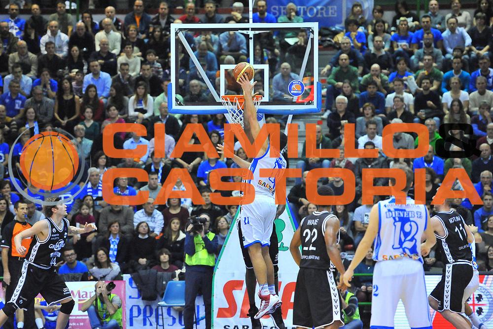 DESCRIZIONE : Campionato 2013/14 Dinamo Banco di Sardegna Sassari - Virtus Granarolo Bologna<br /> GIOCATORE : Drew Gordon<br /> CATEGORIA : Tiro Penetrazione<br /> SQUADRA : Dinamo Banco di Sardegna Sassari<br /> EVENTO : LegaBasket Serie A Beko 2013/2014<br /> GARA : Dinamo Banco di Sardegna Sassari - Virtus Granarolo Bologna<br /> DATA : 19/01/2014<br /> SPORT : Pallacanestro <br /> AUTORE : Agenzia Ciamillo-Castoria / Luigi Canu<br /> Galleria : LegaBasket Serie A Beko 2013/2014<br /> Fotonotizia : Campionato 2013/14 Dinamo Banco di Sardegna Sassari - Virtus Granarolo Bologna<br /> Predefinita :