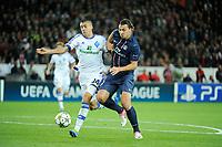 FOOTBALL - UEFA CHAMPIONS LEAGUE 2012/2013 - GROUP STAGE - GROUP A - PARIS SAINT GERMAIN v DYNAMO KIEV - 18/09/2012 - PHOTO JEAN MARIE HERVIO / REGAMEDIA / DPPI - Zlatan Ibrahimovic (PSG) / Yevhen Khacheridi (KIEV)