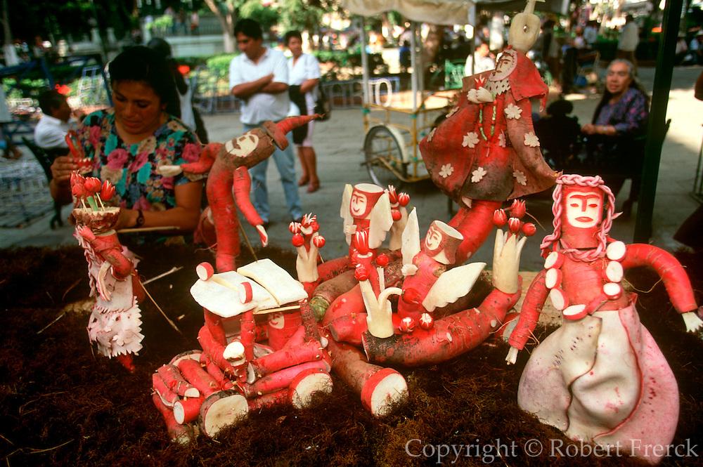 MEXICO, OAXACA, FESTIVALS Festival of the Radish