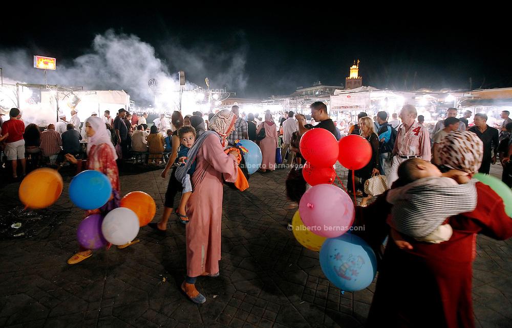 MAROC, Marrakesh: square Jemaa El Fna Morocco