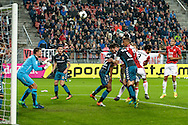 15-10-2016: Voetbal: FC Utrecht v Go Ahead Eagles: Utrecht<br /> <br /> (L-R) Spelmoment voor het doel van Go Ahead Eagles keeper Theo Zwarthoet tijdens het Eredivsie duel tussen FC Utrecht en Go Ahead Eagles op 15 oktober 2016 in stadion Nieuw Galgenwaard tijdens speelronde 9<br /> <br /> Eredivisie - Seizoen 2016 / 2017<br /> <br /> Foto: Gertjan Kooij
