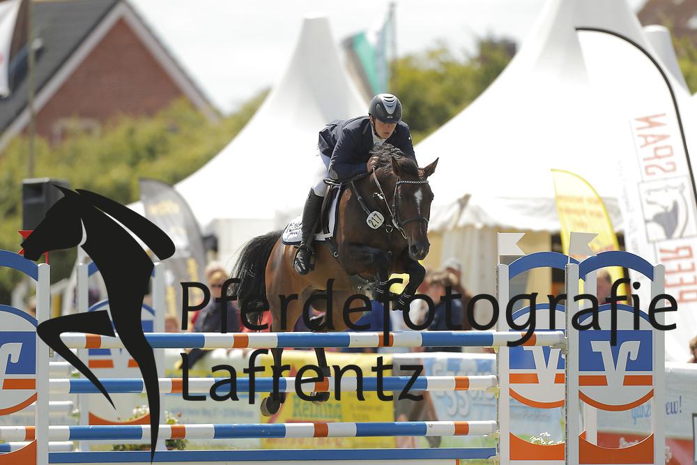 Becat, Cedric, Carcadia<br /> Fehmarn - Pferdefestival 2014<br /> Nationales Springen<br /> © www.sportfotos-lafrentz.de/ Stefan Lafrentz