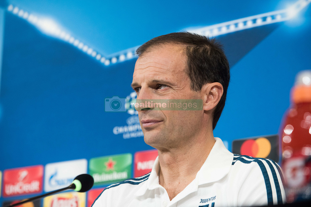 November 21, 2017 - Turin, Piemonte/Torinno, Italy - Massimiliano Allegri during the Juventus FC press conference before the Champions League Match Juventus FC vs Futbol Club Barcelona at Juventus Stadium in Turin, Italy 21th november 2017. (Credit Image: © Alberto Gandolfo/Pacific Press via ZUMA Wire)