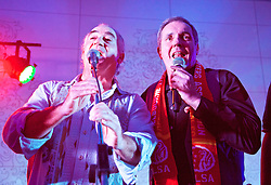 MELBOURNE, AUSTRALIA - Monday, July 22, 2013: Fomer Liverpool player Craig Johnston and Liverpool supporter, actor Alan Fletcher, who plays Dr. Karl Kennedy in the Australian soap Neighbours, on stage during the Anfield Wrap show at the Melbourne Hilton Hotel. (Pic by David Rawcliffe/Propaganda)