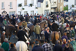 © Licensed to London News Pictures. 26/12/2013. Axbridge, UK Members of the Weston and Banwell Hunt gather in the medieval square in Axbridge, Somerset for the annual Boxing Day hunt. 26th December 2013. . Photo credit : LNP