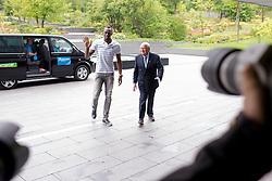 28.08.2013, FIFA Hauptsitz Zuerich, SUI, FIFA Pressekonferenz, im Bild Usain Bolt zu Besuch bei der FIFA; Usain Bolt (JAM) wird von FIFA Praesident Josef S. Blatter begruesst // during a pressconference at the FIFA Hauptsitz Zuerich, Switzerland on 2013/08/28. EXPA Pictures © 2013, PhotoCredit: EXPA/ Freshfocus/ Valeriano Di Domenico<br /> <br /> ***** ATTENTION - for AUT, SLO, CRO, SRB, BIH only *****