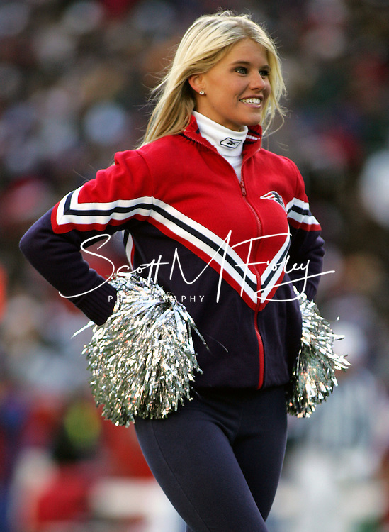 New England Patriot's Cheerleader Nicole Schell