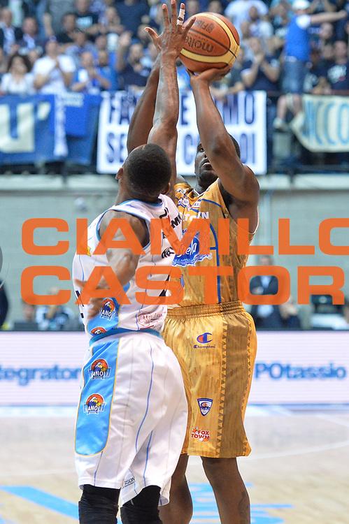 DESCRIZIONE : Desio Lega A 2014-15 <br /> Acqua Vitasnella Cant&ugrave; vs Vagoli Basket Cremona<br /> GIOCATORE : Darius Lohnson - Odom<br /> CATEGORIA : Tiro<br /> SQUADRA : Acqua Vitasnella Cant&ugrave;<br /> EVENTO : Campionato Lega A 2014-2015 GARA :Acqua Vitasnella Cant&ugrave; vs Vagoli Basket Cremona<br /> DATA : 20/04/2015 <br /> SPORT : Pallacanestro <br /> AUTORE : Agenzia Ciamillo-Castoria/IvanMancini<br /> Galleria : Lega Basket A 2014-2015 Fotonotizia : Desio Lega A 2014-15 Acqua Vitasnella Cant&ugrave; vs Vagoli Basket Cremona<br /> Predefinita: