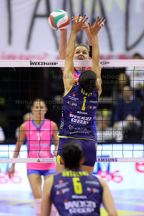 26-04-2016 ITA: Imoco Volley Conegliano - Nordmeccanica Piacenza, Treviso<br /> Final play-offs, Conegliano wint de eerste wedstrijd 1-0 / Yvon Belien, Alisha Glass<br /> ***NETHERLANDS ONLY***