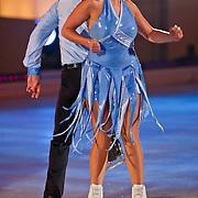 NLD/Hilversum/20110128 - Live show Sterren Dansen op het IJs2011, Jenny Smit danst met partner haar eerste kuhr