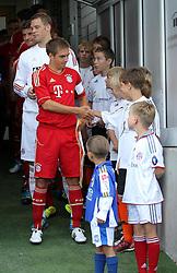 14.07.2011, Ernst-Abbe-Sportfeld, Jena, GER, Benefizspiel, Carl Zeis Jena vs FC Bayern im Bild ..Philipp Lahm (Bayern München) begrüsst die Einlaufkinder mit Handschlag ..  //during the freindlc match between Carl Zeis Jena - FC Bayern 2011/07/14   EXPA Pictures © 2011, PhotoCredit: EXPA/ nph/  Hessland       ****** out of GER / CRO  / BEL ******