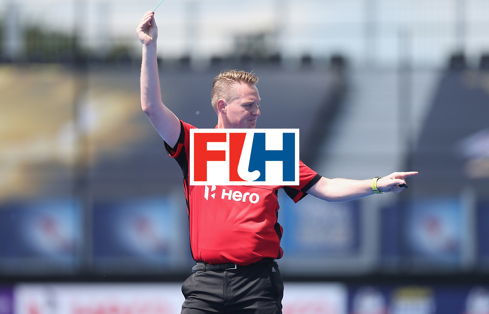 LONDON, ENGLAND - JUNE 15: Match official during the Hero Hockey World League Semi Final match between India and Scotland at Lee Valley Hockey and Tennis Centre on June 15, 2017 in London, England.  (Photo by Alex Morton/Getty Images)