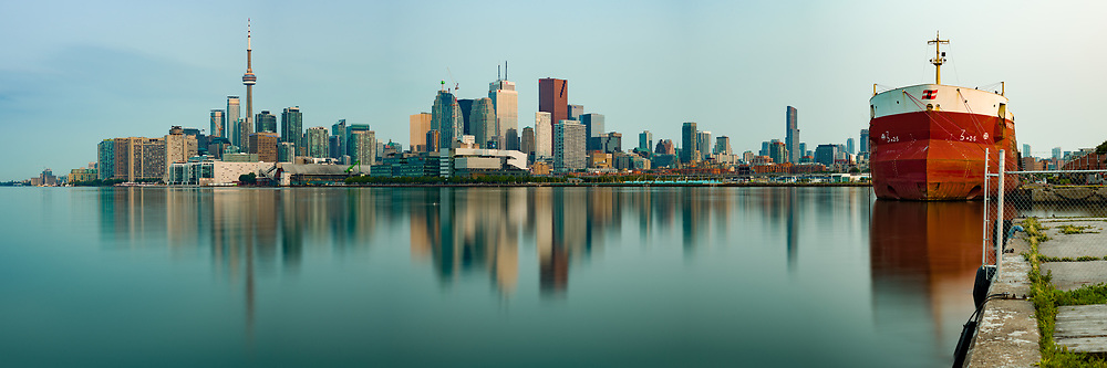 https://Duncan.co/downtown-toronto-skyline-at-dawn-2<br /> <br /> https://Duncan.co/downtown-toronto-skyline-at-dawn