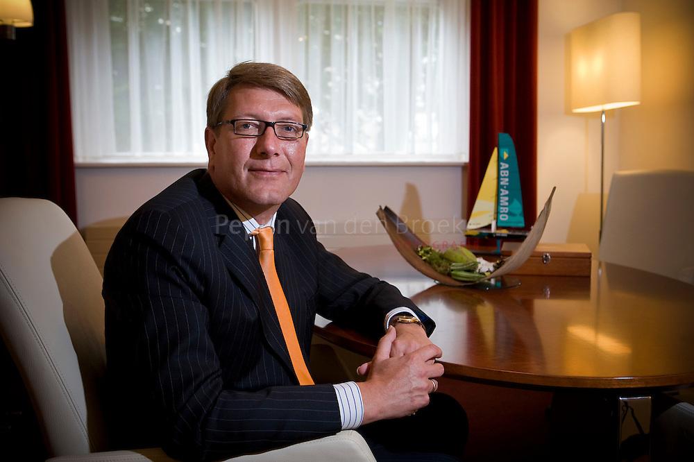 Koos ten Hoor, hoofd Instituten en Charitas banking bij  .ABN AMRO in Groningen