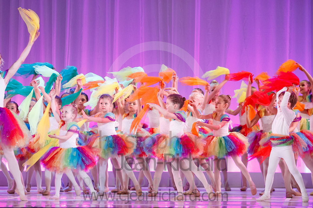 ART: 2017<br /> <br /> The Rainbow Connection<br /> Choreographie: Gretchen Bernard-Newburger mit Leonie Hildebrand-Karl<br /> Assistenz: Christina Henderson<br /> Pre Di/Mi AL, White Fr, Peach<br /> <br /> Students and Instructors of Atelier Rainbow Tanzkunst (http://www.art-kunst.ch/) perform on the stage of the Schinzenhof for a series of performances in June, 2017.<br /> <br /> Schinzenhof, Alte Landstrasse 24 8810 Horgen Switzerland