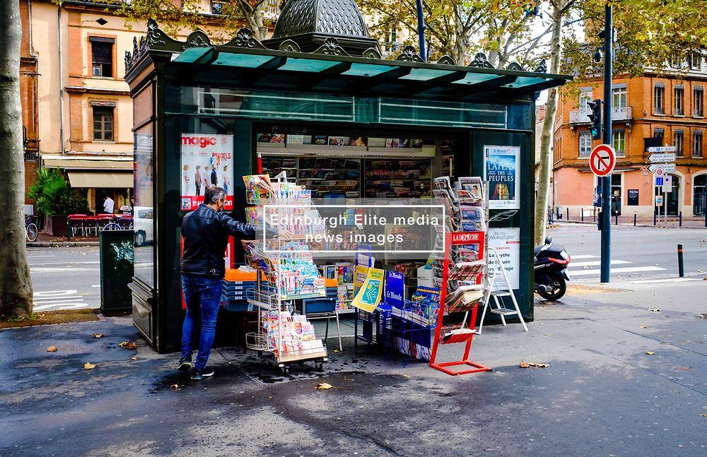Street scene in the Boulevard Lazare Carnot, Toulouse, France<br /> <br /> (c) Andrew Wilson   Edinburgh Elite media