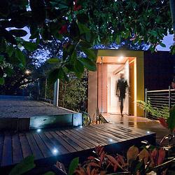 1-TREE HOUSE