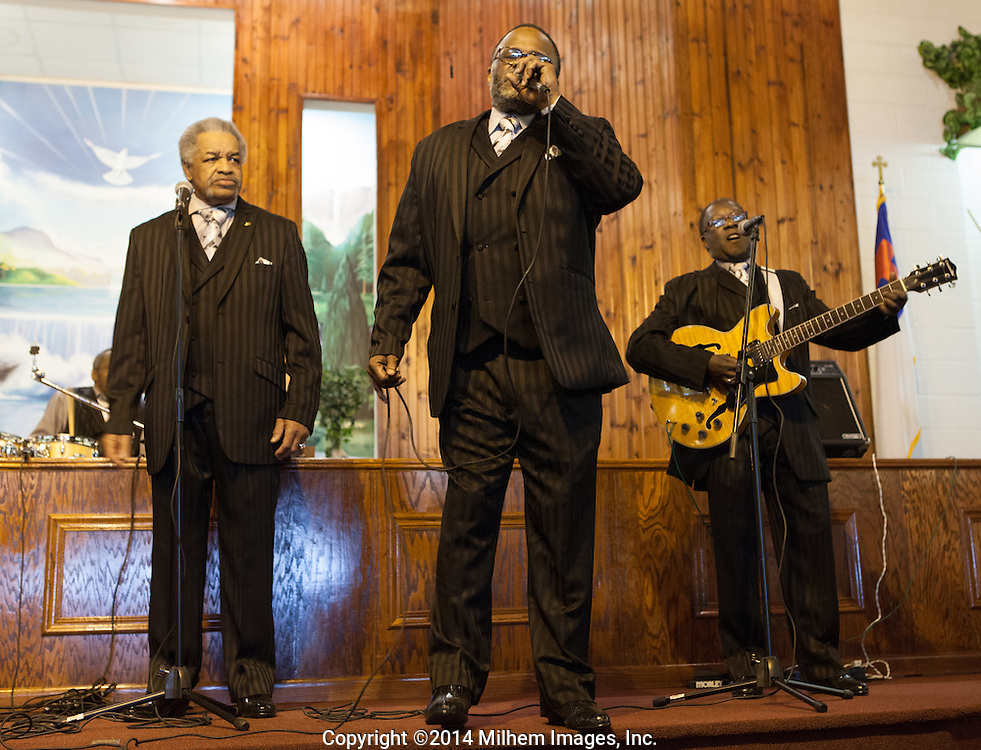 Mighty Clouds of Joy, Greater Mt. Olive Baptist Church Concert 2014