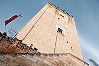 Leverano (LE) - La Torre Federiciana è un'architettura militare voluta nel 1220 da Federico II di Svevia per sorvegliare dall'alto dei suoi 28 metri la costa ionica per avvistare eventuali attacchi da parte dei pirati. Dal 1870 è monumento nazionale.
