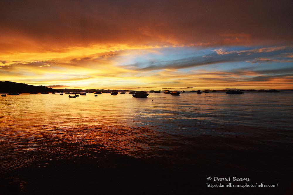 Sunsert on Lago Titicaca, Copacabana, La Paz, Bolivia