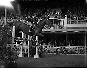 "04/08/1960<br /> 08/04/1960<br /> 04 August 1960<br /> R.D.S Horse Show Dublin (Thursday). Mrs H.R. Morrison on ""Glide-on""."