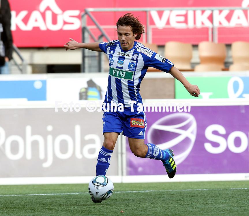 29.10.2011, Sonera stadion, Helsinki..Veikkausliiga 2011, FC HJK Helsinki - FC Haka Valkeakoski..Sebastian Mannstršm - HJK.