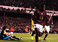 Photo: Alan Crowhurst.<br />Arsenal v Villarreal. UEFA Champions League. Semi-Final, 1st Leg. 19/04/2006. Kolo Toure (R) scores the opener for Arsenal.