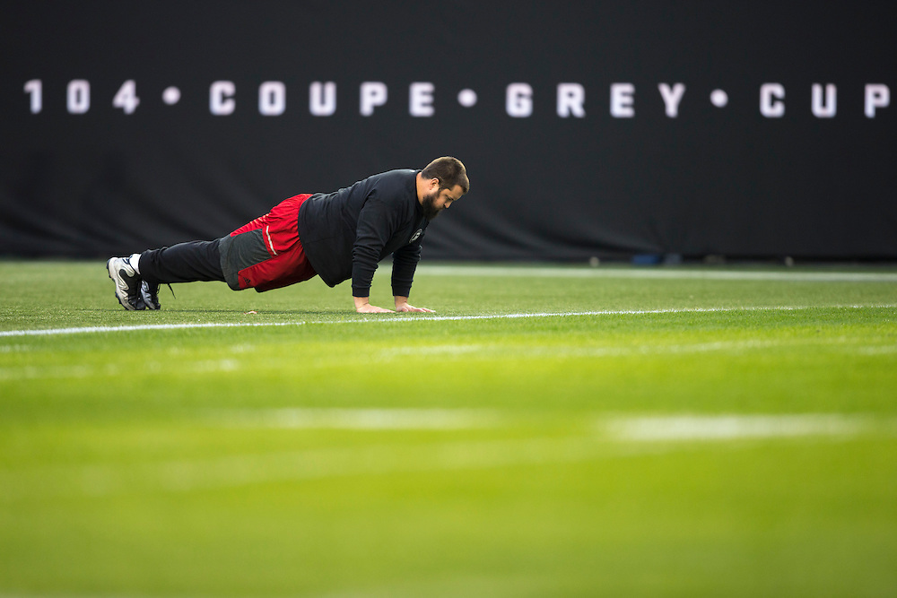 Alex Mateas of the Ottawa RedBlacks warms up before the of the 104th Grey Cup Final game in Toronto Ontario, Sunday,  November 27, 2016.  (CFL PHOTO - Geoff Robins)
