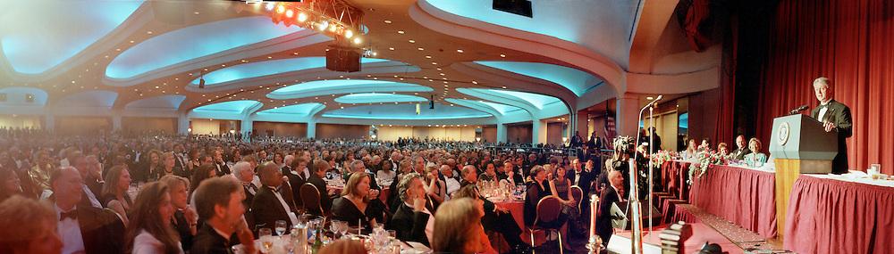 Clinton 3a.  President Clinton. Washington Correspondents dinner. Hilton. 1 May 1999. © Copyright Photograph by Dafydd Jones<br /> 66 Stockwell Park Rd. London SW9 0DA<br /> Tel 0171 733 0108