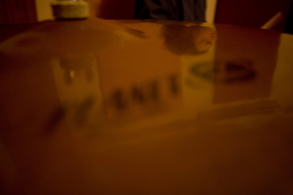 Belo Horizonte_MG, Brasil...Ensaio da banda Coracoes Dilacerados no Estudio Geleia. Na foto detalhe do reflexo de um musico na mesa...The rehearsal of the Coracoes Dilacerados band in Geleia studio. In this detail of a musician reflex on the table...Foto: LEO DRUMOND / NITRO.
