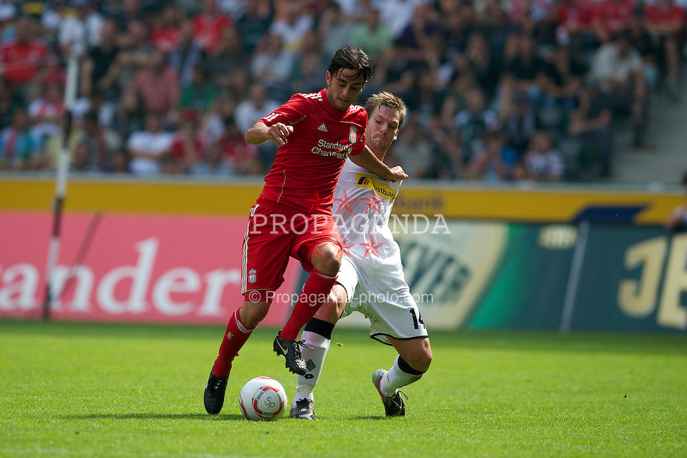 MONCHENGLADBACH, GERMANY - Sunday, August 1, 2010: Liverpool's Alberto Aquilani in action against Borussia Monchengladbach during a preseason friendly match at Borussia-Park. (Pic by David Rawcliffe/Propaganda)