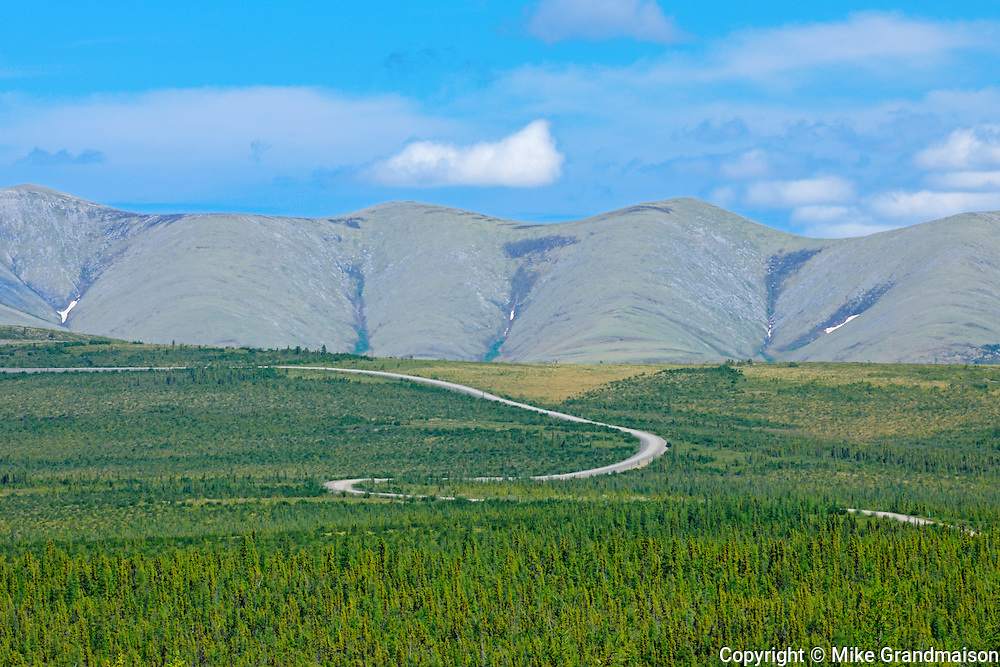 Richardson Mountains on the Dempster Highway  (KM 347 - 405) <br /> Dempster Highway<br /> Yukon<br /> Canada