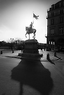 France Paris. Jeanne d'Arc is an equestrian sculpture by Emmanuel Frémiet. . Place des Pyramides,  near where Joan of Arc was wounded during her failed attempt to take Paris. The original statue was commissioned by Napoleon III, in 1874 / statue dorée de jeanne d'Arc place des Pyramides