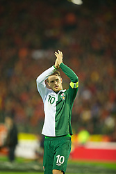 BRUSSELS, BELGIUM - Tuesday, October 15, 2013: Wales' goalscorer captain Aaron Ramsey waves to the supporters after the 1-1 draw with Belgium during the 2014 FIFA World Cup Brazil Qualifying Group A match at the Koning Boudewijnstadion. (Pic by David Rawcliffe/Propaganda)