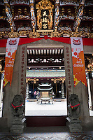 Looking through the doors of Thean Hock Keng Temple.
