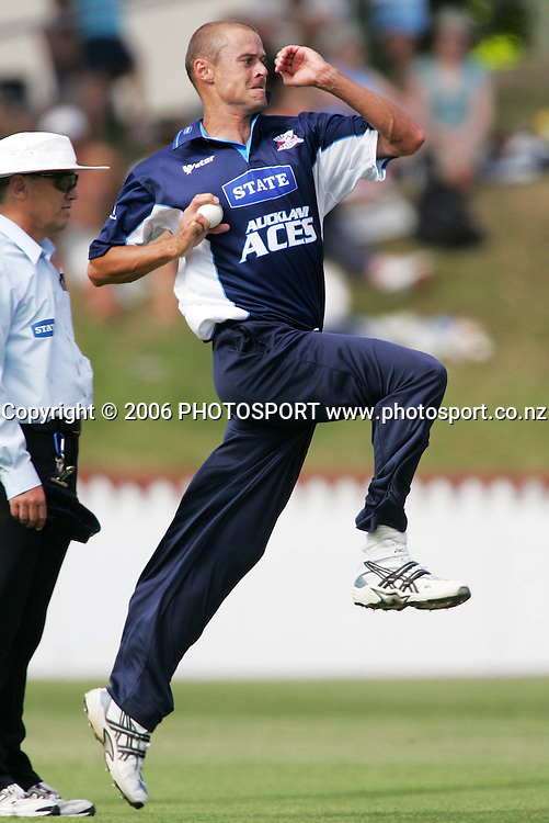Auckland Aces bowler Chris Martin bowls during the State Shield semi final between the State Wellington Firebirds and the State Auckland Aces held at the Basin Reserve in Wellington, New Zealand on Tuesday, 6 February, 2007. Auckland won the match by 71 runs. Photo: Tim Hales/PHOTOSPORT