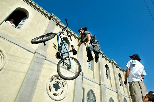 Cyclist jumps during a competition at Valparaiso Hills