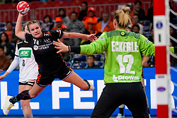 08-12-2019 JAP: Netherlands - Germany, Kumamoto<br /> First match Main Round Group1 at 24th IHF Women's Handball World Championship, Netherlands lost the first match against Germany with 23-25. / Merel Freriks #19 of Netherlands, Dinah Eckerle #12 of Germany