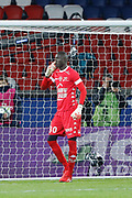 Mamadou SAMASSA (ESTAC TRYOYES) stopped the penalty of Edinson Roberto Paulo Cavani Gomez (psg) (El Matador) (El Botija) (Florestan), he smelled it during the French Championship Ligue 1 football match between Paris Saint-Germain and ESTAC Troyes on November 29, 2017 at Parc des Princes stadium in Paris, France - Photo Stephane Allaman / ProSportsImages / DPPI