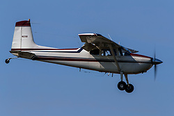 Cessna 180A (N5210D) on approach to Palo Alto Airport (KPAO), Palo Alto, California, United States of America