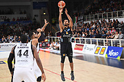 Shavon Shields<br /> Dolomiti Energia Trentino - Virtus Segafredo Bologna<br /> Lega Basket Serie A 2017/2018<br /> Trento, 30/09/2017<br /> Foto M.Ceretti / Ciamillo - Castoria