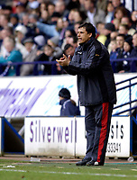 Photo: Jed Wee.<br /> Bolton Wanderers v Fulham. The Barclays Premiership. 26/02/2006.<br /> <br /> Fulham manager Chris Coleman tries to motivate his players.