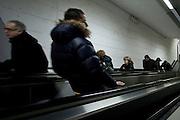 """Potenza (PZ) 01/02/2010 Italy - Le scale mobili di Potenza. Nella Foto: Il Ponte Attrezzato con le scale mobili """"Santa Lucia"""" che collegano Porta Salza con Via Tammone mediante un percorso meccanizzato di 600 metri, percorribile in 15 minuti. Potenza con questa opera raggiunge un primato: è dotata del sistema di scale mobili più lungo d'Europa. Foto Giovanni Marino"""