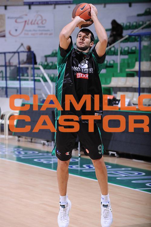 DESCRIZIONE : Siena Eurolega 2010-11 Montepaschi Siena Cibona Zagabria<br /> GIOCATORE : Marco Carraretto<br /> SQUADRA : Montepaschi Siena Cibona Zagabria<br /> EVENTO : Eurolega 2010-2011<br /> GARA :   Montepaschi Siena Cibona Zagabria<br /> DATA : 03/11/2010<br /> CATEGORIA : Before<br /> SPORT : Pallacanestro <br /> AUTORE : Agenzia Ciamillo-Castoria/GiulioCiamillo<br /> Galleria : Eurolega 2010-2011<br /> Fotonotizia : Siena Eurolega 2010-11 Montepaschi Siena Cibona Zagabria<br /> Predefinita :