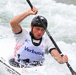 27.06.2015, Verbund Wasserarena, Wien, AUT, ICF, Kanu Wildwasser Weltmeisterschaft 2015, K1 men, im Bild Maks Franceskin (SLO) // during the final run in the men's K1 class of the ICF Wildwater Canoeing Sprint World Championships at the Verbund Wasserarena in Wien, Austria on 2015/06/27. EXPA Pictures © 2014, PhotoCredit: EXPA/ Sebastian Pucher