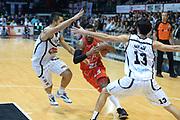 DESCRIZIONE : Caserta campionato serie A 2013/14 Pasta Reggia Caserta EA7 Olimpia Milano<br /> GIOCATORE : Keith Langford<br /> CATEGORIA : palleggio penetrazione mani composizione<br /> SQUADRA : EA7 Olimpia Milano<br /> EVENTO : Campionato serie A 2013/14<br /> GARA : Pasta Reggia Caserta EA7 Olimpia Milano<br /> DATA : 27/10/2013<br /> SPORT : Pallacanestro <br /> AUTORE : Agenzia Ciamillo-Castoria/GiulioCiamillo<br /> Galleria : Lega Basket A 2013-2014  <br /> Fotonotizia : Caserta campionato serie A 2013/14 Pasta Reggia Caserta EA7 Olimpia Milano<br /> Predefinita :