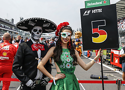 October 29, 2017 - Mexico-City, Mexico - Motorsports: FIA Formula One World Championship 2017, Grand Prix of Mexico, .grid girl  (Credit Image: © Hoch Zwei via ZUMA Wire)