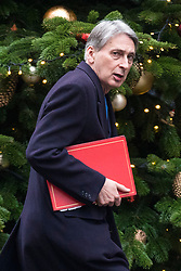 © Licensed to London News Pictures. 20/12/2017. London, UK.  The Chancellor of The Exchequer Philip Hammond on Downing Street. Photo credit: Rob Pinney/LNP