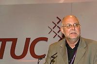 Bill Greenshields, NUT, speaking at the TUC, Brighton 2007...© Martin Jenkinson, tel 0114 258 6808 mobile 07831 189363 email martin@pressphotos.co.uk. Copyright Designs & Patents Act 1988, moral rights asserted credit required. No part of this photo to be stored, reproduced, manipulated or transmitted to third parties by any means without prior written permission